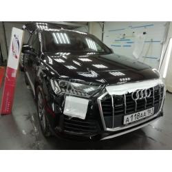 Оклейка полиуретановой пленкой Sunmaxfilms черный Audi